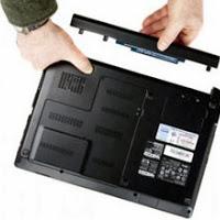Amankah Mencabut Baterai Laptop Saat Dicharge ?